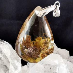 Lodolite gravée pendentif quartz chamane minéraux bijoux Astre et Minéral