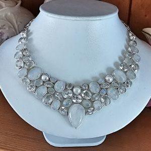 Collier cristal de roche - péristerite et perles d eau douce