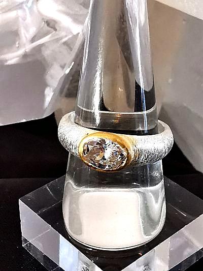 Cristal de roche sur bague en argent et P. or