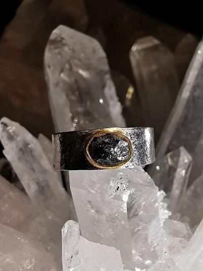 Diamant gris brut bague