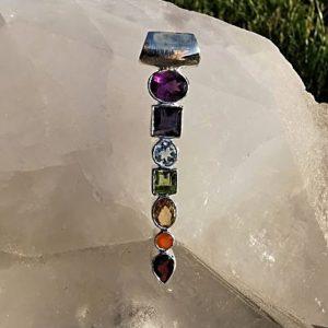 Pendentif d'harmonisation des 7 chakras en pierres naturelles en argent